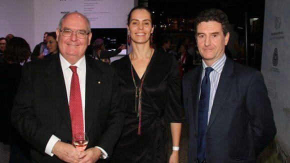 Ebenfalls im Bikini: der australische Botschafter David Ritchie (l.), W Springorum (Bikini) und Nigel Gosse von Woolmark, dem Institut, das in Australien das Logo für Original-Wollprodukte vergibt.