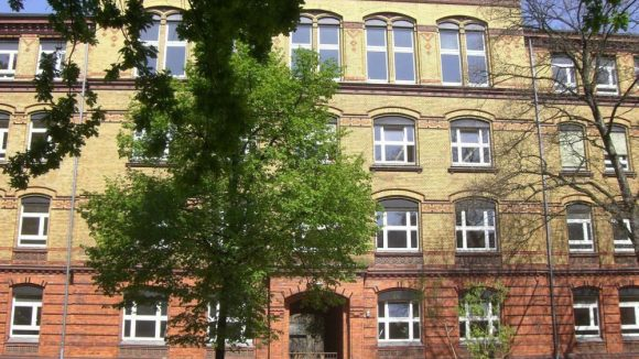 Die ehemalige Kurt-Held-Grundschule in Kreuzberg ist seit 10 Jahren die Heimat der ESMOD Berlin.