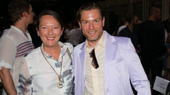 Und schließlich die stolze Esmod-Direktorin Silvia Kadolsky mit Designer Hermann August Weizenegger.