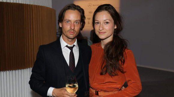 Ester Perbandts Show konnte in Sachen Promifaktor durchaus mithalten. Hier waren Tom Schilling und Freundin Annie Mosebach ...