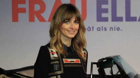 """Ein mindestens genauso nettes Lächeln präsentiert Model Eva Padberg bei der Premiere von """"Frau Ella""""."""