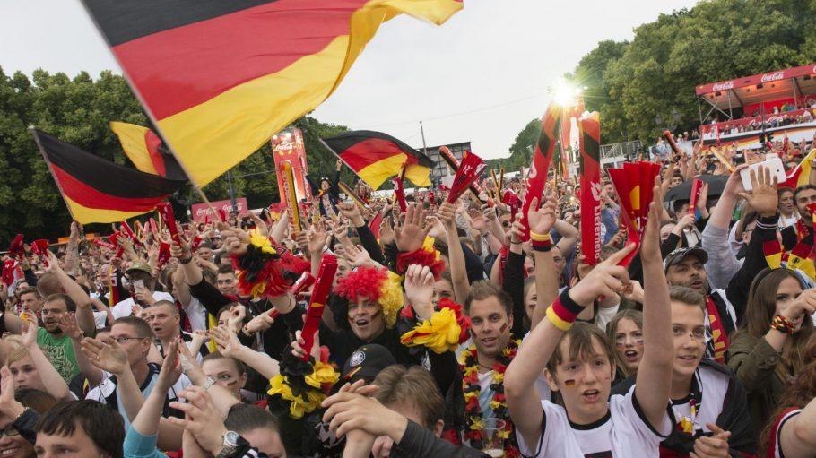 Bei Großveranstaltungen wie der Fanmeile zur Fußball-EM können ein paar Verhaltensregeln nicht schaden.