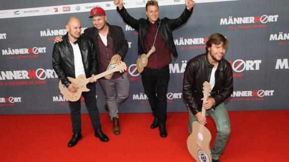 Die jungen Rock-Musiker von 77 Bombay Street aus dem Schweizer Kanton Graubünden waren bei der Premiere ebenfalls dabei.
