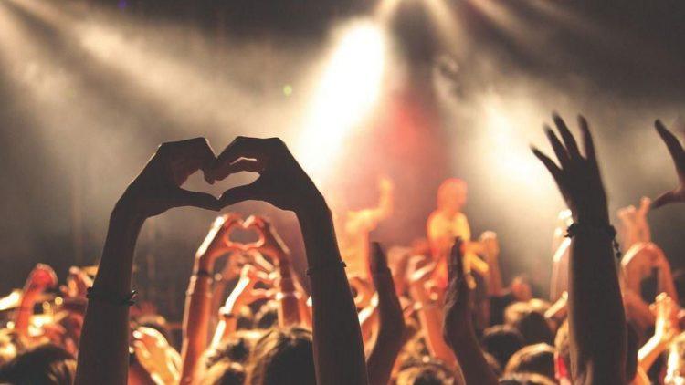 Du bist Feuer und Flamme für eine Band, einen Sportverein oder Harry Potter? In einem der Berliner Fanshops könnte so mancher Traum in Erfüllung gehen.