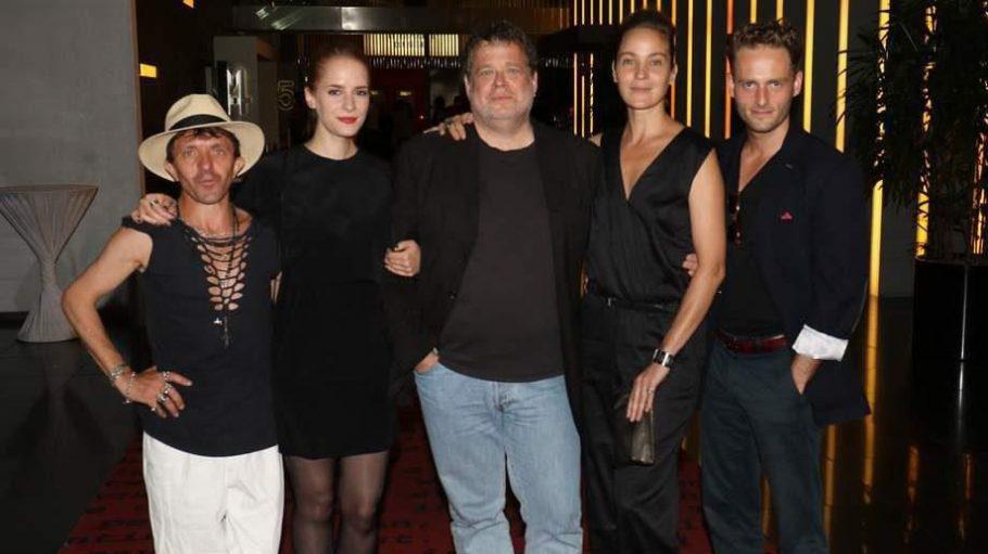 """Im Cinestar Sony Center stellte Regisseur David Ruehm im Rahmen des Fantasy Filmfests seine Blutsaugerkomödie """"Therapie für einen Vampir"""" vor - umrahmt von seinem Cast."""