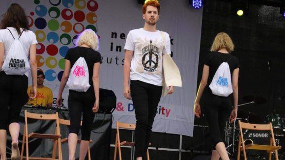 Die gezeigten T-Shirts kamen von Krashkultur ...