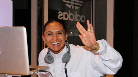 Für die musikalische Untermalung sorgte DJ Ndrea, die auch den vulkanischen Gruß beherrscht.