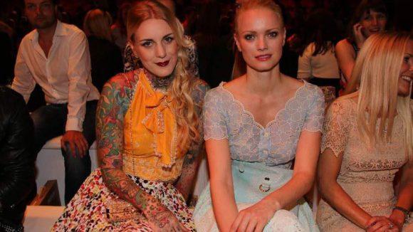 ... und noch mehr Models: Lexy Hell (l.) und Franziska Knuppe.