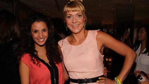 Zu den Gästen im Adlon gehörten die GZSZ-Darstellerinen Nadine Menz (l.) und Ramona Dempsey.