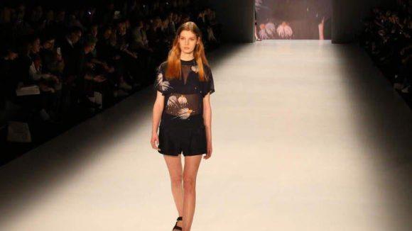 Erstmals zeigte auch die New Yorker Designerin Charlotte Ronson ihre sommerlich-weibliche Mode in Berlin.