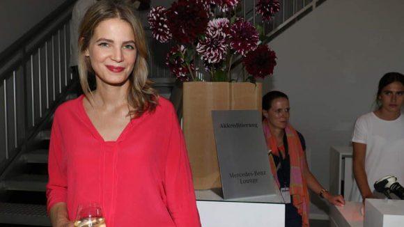 Auch interessierte Marc Cain-Zuschauerin war Schauspielerin Rike Schmid.