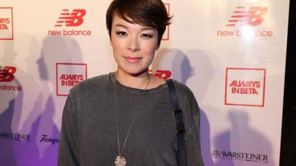 Bei der Präsentation der neuen New Balance-Kollektion in der Alten Münze entdeckten wir Moderatorin Nela Lee und ihre neue Kurzhaar-Frisur wieder.