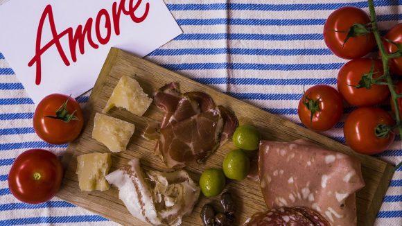 Bei True Italian Food stehen die echten italienischen Traditionen des Kochens im Vordergrund. Das bedeutet auch hochwertige, hausgemachte, frische Produkte.