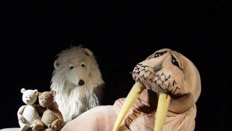 Fantasievolle Spielpuppen im Figurentheater Grashüpfer