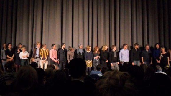 Regisseurin Pola Beck (ganz links) bei der Vorstellung ihres Filmteams im Kino Babylon.