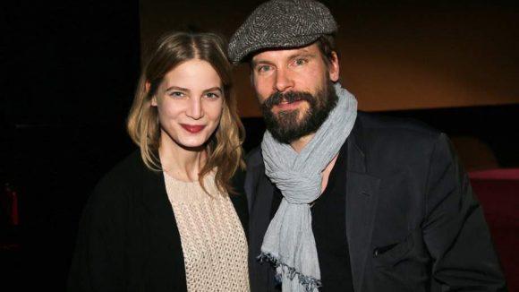 """... sowie Rike Schmid und Wanja Mues, die sich aus der Serie """"Der Fürst und das Mädchen"""" kennen."""