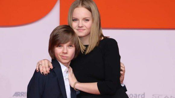 Paula Hartmann und Arved Friese sind Matthias Schweighöfers Filmkinder Winnie und Theo.