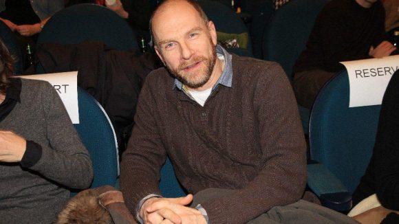 """Einer der Darsteller aus """"Der Prediger"""": Götz Schubert, auch durch die hochgelobte ZDF-Serie """"KDD-Kriminaldauerdienst"""" bekannt."""