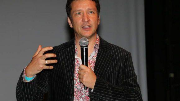 Der Regisseur und Autor des Films, Thomas Wallner, stellte sein Werk persönlich in der Volksbühne vor.
