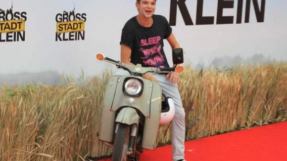 """Auch viele deutsche Jungschauspieler ließen sich auf dem Roten Teppich blicken. Neben Tobias Schenke (""""Harte Jungs"""", """"Kleinruppin forever"""") ..."""