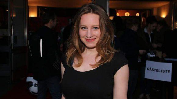 Ebenfalls im Film zu sehen: Anna Amalie Blomeyer (Roswitha) ...