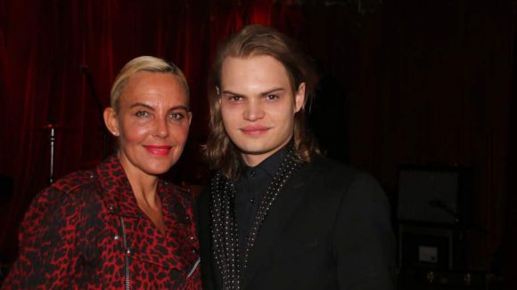 Farblich sehr unterschiedlich präsentierten sich der im Film mitwirkende Wilson Gonzalez Ochsenknecht und seine Mutter Natascha.