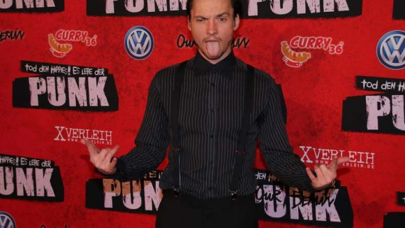 """Schauspieler Ralph Kretschmar (""""Hangtime"""") übte sich in der zum Film passenden Pose."""