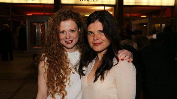 Die polnische Schauspielerin Anja Antonowicz (links) und die in Ost-Berlin geborene Autorin Julia Franck.