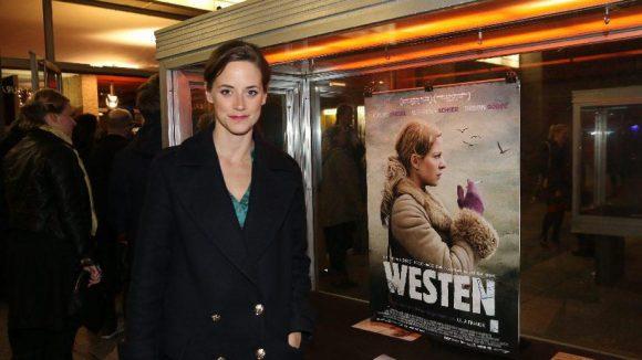 "... Schauspielerin Anja Knauer (""Küss mich, Frosch"") ..."