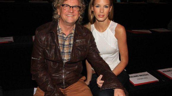 Filmproduzent Martin Krug kam mit seiner Freundin, dem 23-jährigen Model Julia Trainer.