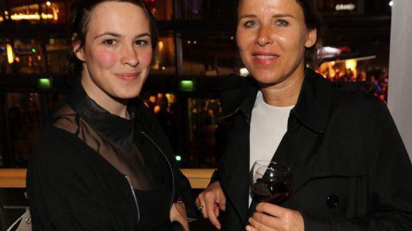 Victoria Schulz (links) mit ihrer Agentin Anke Balzer.