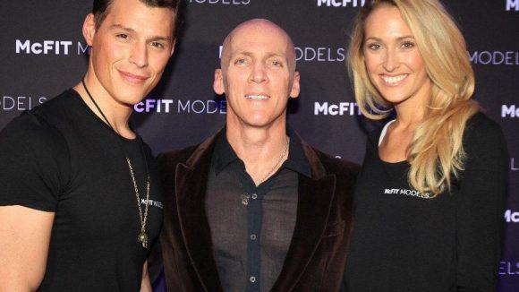 Auch Fitnesstrainer David Kirsch (Heidi Klum ist wohl seine bekannteste Kundin) schaute vorbei, mit dabei: die Models Mete Kaan Yaman und Jenny Schraube.
