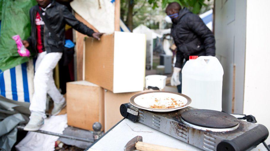 Das Protestcamp am Oranienplatz wird nun von den Flüchtlingen freiwillig geräumt.