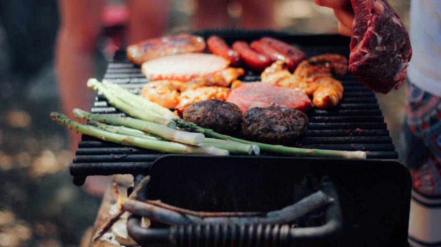 Fleisch, Wurst oder Gemüse? Auf den Rost kommt alles was schmeckt.