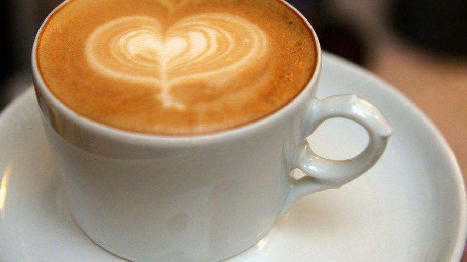 Kaffee mit Herz: In einigen Berliner Cafés können Besucher ein Heißgetränk für Bedürftige spenden.