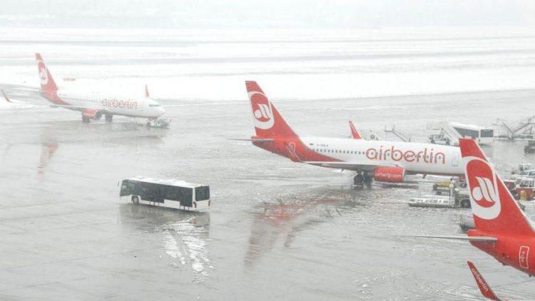 Wintereinbruch auch auf den bereits vorhandenen Flughäfen der Stadt ...