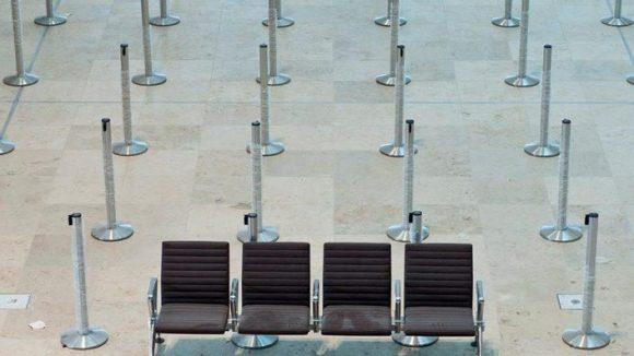 Auf dem Großflughafen Berlin-Brandenburg in Schönefeld wird es auch im kommenden Jahr ruhig bleiben - die Eröffnung findet frühestens im Jahr 2014 statt.