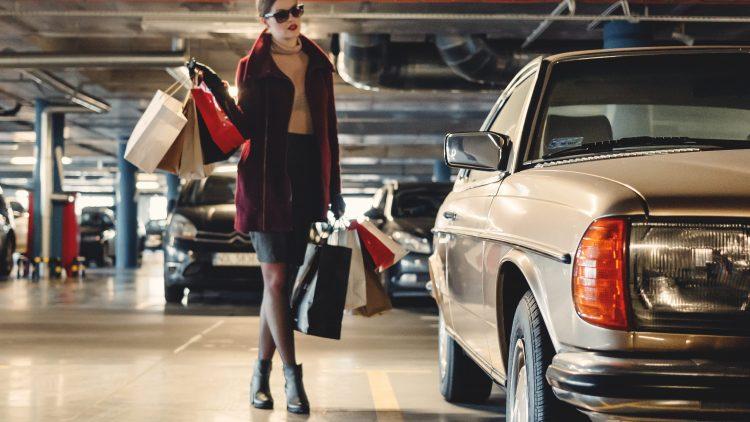Damit deine Shoppingtaschen auch bald wieder gut gefüllt sind verraten dir unsere Lieblingsblogger ihre Shopping-Tipps.