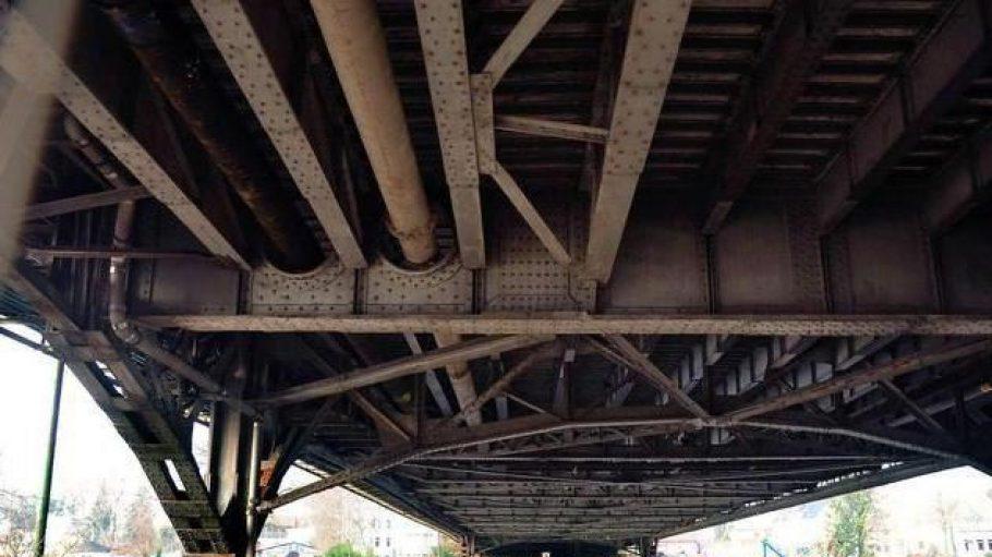 Freybrücke gesperrt -Verkehrschaos folgt.
