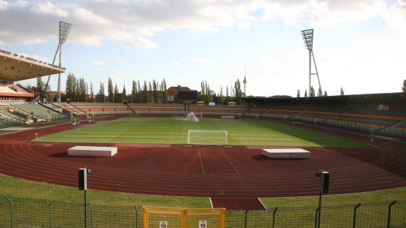 Der Jahn-Sportpark istBerlins zweitgrößtes Stadion und soll während der Olympischen Spiele zum Austragungsort der Paralympics werden.