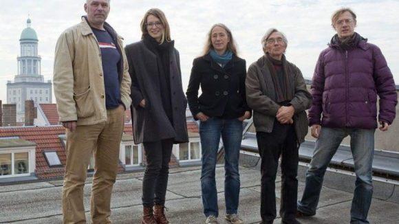 Die Redaktion des Friedrichshainer Zeitzeigers: Steffen Maria Strietzel, Anne Winkler, Anke Wagner, Detlef Krenz und Dirk Moldt (v.l.).