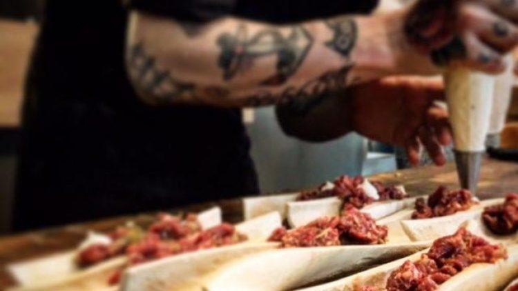 Feines für den Gaumen: Ein Kochkurs für wahre Fleischbekenner.