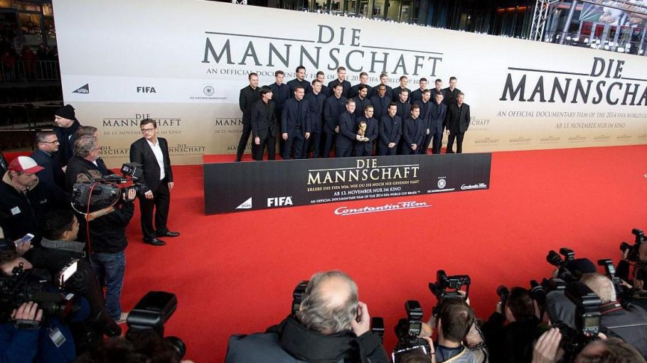 Großes Interesse an den deutschen Fußball-Nationalspielern besteht ganz offensichtlich weiterhin.