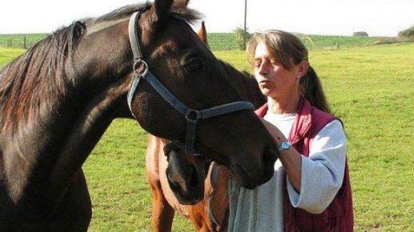 Nicht nur Katzen und Hunde - auch Pferde sind Gabriele Zuskes Patienten.