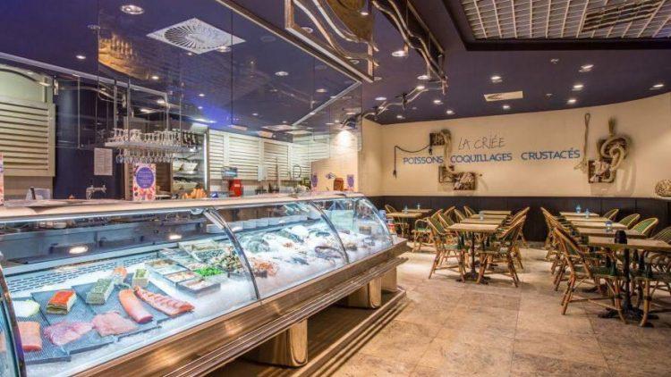 Ein Blick auf die Theke und den neu gestalteten Restaurantbereich.