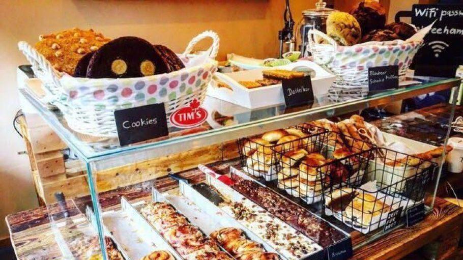 Ob Zimtschnecken, Brownies oder Brötchen – im neueröffneten Reeham Coffee in Kreuzberg kommen Naschkatzen auf ihre Kosten.