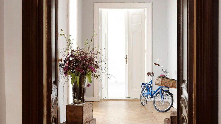 Hereinspaziert: Das Gebrüder Fritz ist ein Ort, an dem Menschen kreativ sein können. Die Wohnung in der Bleibtreustraße bietet darüber hinaus einen Einblick in die Berliner Wohngeschichte.