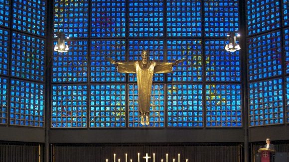 Nicht nur die Gedächtniskirche lädt an den Osterfeiertagen zu zahlreichen festlichen Gottesdiensten ein.