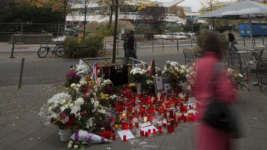 An dem Ort, an dem Jonny K. ums Leben kam, soll ein Mahnmal errichtet werden.