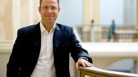 Mario Czaja (CDU) hat sich als Gesundheitssenator einen Namen hinsichtlich Pflege und Geriatrie gemacht. Nun will er demografiebedingt mehr Krankenbetten im Südosten der Hauptstadt.
